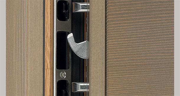 Sécuriser une porte d'entrée avec une serrure à 5 points