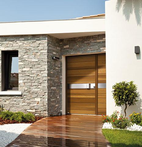 Porte d'entrée en bois sur-mesure Zilten Nativ 2 couleur miel