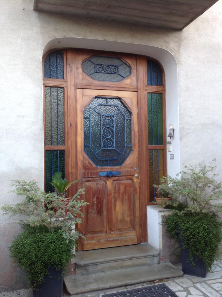 les vieilles portes d'entrée sont peu sécurisées
